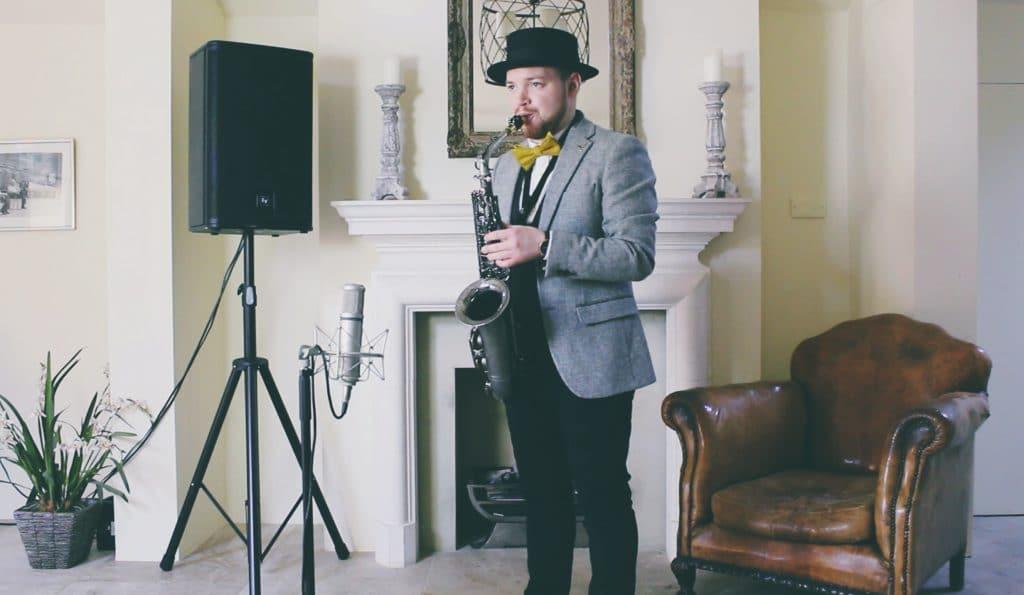 Solo saxophone setup